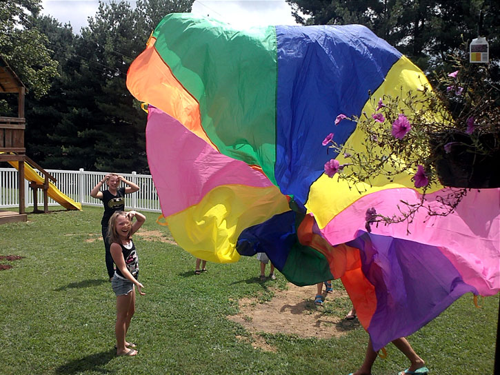 teddi-bear-day-care-tupper-plains-parachute-play